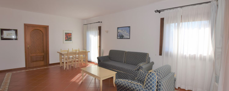 Porto Cervo ampio appartamento con giardino
