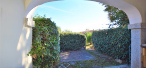 Ampio bilocale con giardino