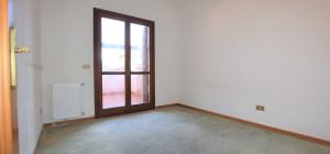 Ampio appartamento in Via Veronese